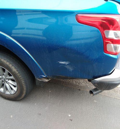 mitsubishi car body repairs wakefield